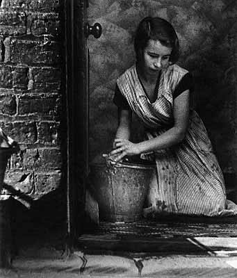 Young housewife Bill Brandt